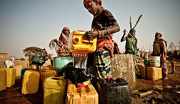 Sahel Food Crisis 2012: Drawing water from a well in the community of Natriguel, Mauritania
